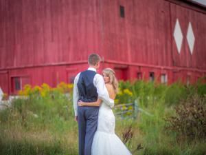 Grand Rapids Outdoor Wedding Barn
