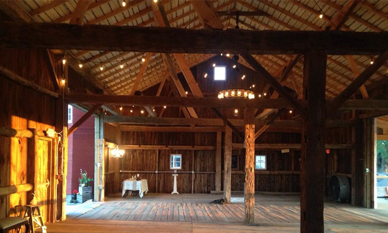 Rustic-Rouge-Barn-Grand-Rapids-Venue